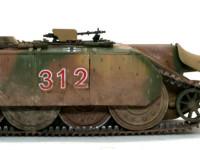 ドイツ戦車には珍しく、起動輪が後ろに付いています。あまりの小ささにプロペラシャフトを置くスペースも無かったのかもしれませんね。