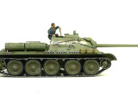 真横から見たSU-85襲撃砲戦車です。さすがに長砲身ですよね。履帯はほとんどまっすぐなのですが、わずかに転輪から浮くので、接着剤で固定してあります。