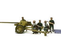 真横から見たPak40です。長い砲身はキットに標準で付属するアルミ砲身です。まったく見えませんが、マズルブレーキの根本にはライフリングも切ってあるんですよ。