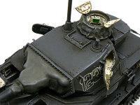 4号潜水戦車D型の砲塔です。キット付属の潜水用のキューポラはレジン製でハッチが開かないため、通常のキューポラを改造して作りました。そのためキューポラ内部もばっちりです。