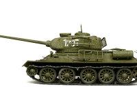 真横から見たT34/85戦車です。誘導輪(前です)が小さいので履帯がカクカクと曲がるのですが、マジックトラックではこれが十分に表現できます。