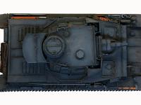 真上から見た4号戦車F1型です。広い鉄板の中央はエアブラシで退色表現をしてあります。シャドウ部の表現は、エアブラシ、油彩でのウオッシング、パステルと総動員です。