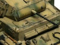 アーマースケールの金属砲身です。フラッシュハイダーの穴もちゃんと再現されています。これは効きますね♪