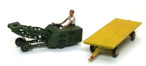 アメリカ・現用空軍サポートチーム リフトと台車