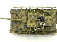 真上から見た4号戦車J型です。砲塔と車体の上部に溶接痕を追加しました。