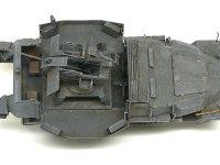 真上から見た Sd.kfz.251/17C型 です。車体の横に大きく装甲板が開き、戦闘室に変身します。こうしてみると結構広い場所が確保できたんですね。