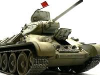 この角度から見た戦車は迫力がありますね。フェンダーのチッピングをするのを忘れています。車体の前ですからボロボロでしょうにね。写真ではずいぶん黄色くなっていますが、実際はそんなことありません。デジカメが色を変えちゃうのでしょうね。