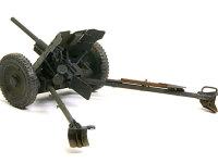3.7cm対戦車砲Pak35/36です。操作部がよく見えるようにフィギュア無しで記念写真を1枚。かなりのパーツがエッチングパーツに置き換えられています。