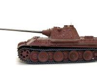 真横から見たパンターF型です。長砲身の75mm砲は短距離ではティガーI型の88mm砲よりも威力がありました。この主砲を超長砲身の88mmに置き換えたパンター2も開発されていました。
