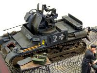 こちらが主役の1号対空戦車なのですが…できの良いフィギュアセットに喰われて、すっかり舞台セットになってしまっています。一生懸命作ったのに・・・