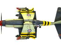 上から見た ワイバーン S.4 後期型 です。折りたたまれた主翼は折れ角が左右で違っており、ぶつからないようになっています。ちょっとした工夫ですね。