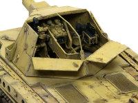 ホイッシュレッケ4bに搭載された10.5cm榴弾砲です。3突やヴェスペに搭載されたのと同じ砲です。砲塔には細かな溶接の痕が必要な箇所でほぼ全てに再現されています。