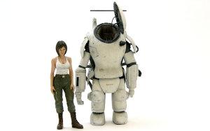 ファイアボールと傭兵軍女性パイロット