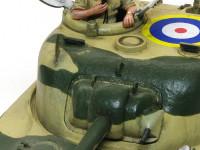 戦車長はタスカ君です。タミヤ君に比べるとかなり小ぶりです。