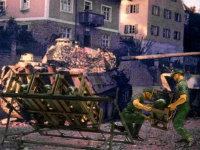 1941年のソ連侵攻のときにソ連軍のロケット弾に苦しめられたドイツ軍は、翌年には独自のロケット弾で対抗します。ロケット弾は威力はあるのですが、命中精度がよくありません。でも、うじゃうじゃと攻めてくるソ連軍には有効だったのでしょうね。