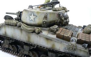 M4A3E2シャーマン・ジャンボ にアクセサリーセットを積み込む