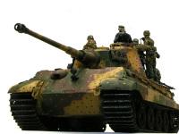 前から見たケーニヒスティガー・ヘンシェル砲塔です。やっぱり戦車はこのアングルが強そうでカッコいいですね。
