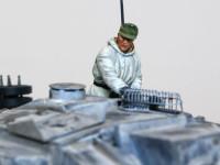 フィギュアはミニアートの冬期仕様の戦車兵を使いました。なかなか冬服の戦車兵のフィギュアセットって少ないので、選択肢がありません。