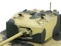 砲塔です。サーチライトはクリアパーツ、直接照準器(だよね?)はエッチングパーツが用意されています。