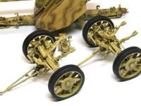 砲よりも作るのに時間がかかるリンバーです。タイヤはゴム製ですので、塗装が完了してから後はめできます。あっ、汚しを忘れた。