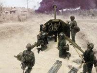 いつものインチキ合成写真です。ローマに向けて進軍してくる連合軍の戦車を迎え撃つPak40と降下猟兵の皆さんです。背景写真に合わせてトーンを落としてみました。