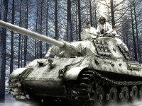 いつものインチキ合成写真です。冬になりたてのころ、まだ雪もあまり深くない状態です。祖国防衛のために最強の戦車が出撃するのですが、これが最後の冬になってしまうのです。