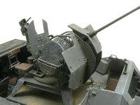 Sd.kfz.251/17C型 に搭載された Flak38対空機関砲です。薬莢がばらまかれるのを防ぐネットが付いています。その他エッチングパーツも多数付属しているのですが、使い方が説明書に書かれていないのが困りものです。