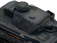 4号戦車F1型の砲塔です。人が多く触れる箇所はチッピングも多めに入れたあります。くぼんだねじ穴には汚れがたまっています。(たまりすぎか?)