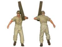 砲弾を運んでいる砲兵です。彼はなかなか良いプロポーションをしています。