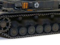4号戦車F1型の足回りです。今回一番のお気に入りです。マジックトラック(履帯)も今までで一番カッチリと作ることができました。