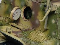 後ろのハッチを開けると砲弾が見えます。戦闘中の砲弾の補給はここから入れたのかもしれませんね。