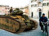 シャールB1bisの戦車長です。いくらフランスが負けそうでも、この無敵の戦車(当時では)の乗員の士気はかなり高かったそうです。こんな情けない顔はちょっとね。何か悪い物でも食べたのかな(+_+)\バキッ!