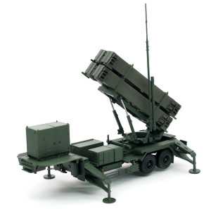 M902発射機の塗装と組みたて
