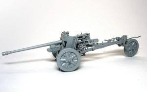 5cm対戦車砲Pak38 補助輪を付けて移動
