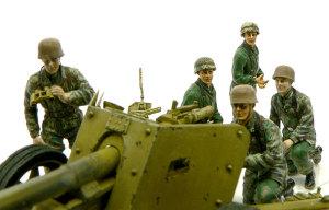 7.5cmPak40対戦車砲  フィギュア本体の塗装完了