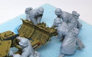 8.8cm対戦車砲兵セット 駐鋤を押す兵士