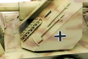 防盾のデカール貼り
