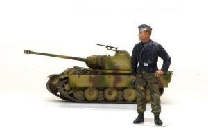 1/72 パンターG初期型 と 1/35 ドイツ戦車兵