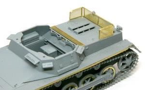 1号対戦車自走砲4.7cmPak(t) 車体上部の組立て