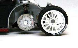 プジョー206 WRC2002 タイヤを外した状態に加工