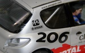 プジョー206 WRC2002年 ウレタンでデカールがしわに・・・