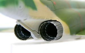 RF-4Eファントム2 エンジンの内側の塗装