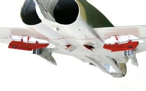 RF-4Eファントム2 スピード・ブレーキの取り付け