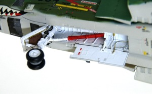RF-4Eファントム2 前脚の制作