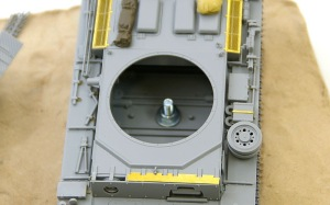 3号戦車J型 ベースへの固定ナットの接着