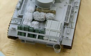 3号戦車J型 完成した擬装ネットとバケツ