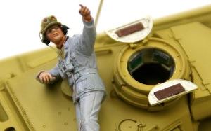 3号戦車J型 キューポラにペリスコープを付けたらフィギュアが入らなくなった