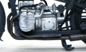 BMW R-12オートバイ 冷却フィンの真ん中に合わせ目が