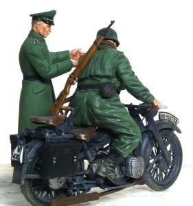 BMW R-12オートバイ デカールを補修