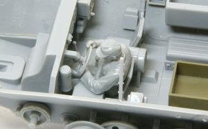 装甲工兵車Sd.kfz.251/7C型 運転手フィギュアの改造
